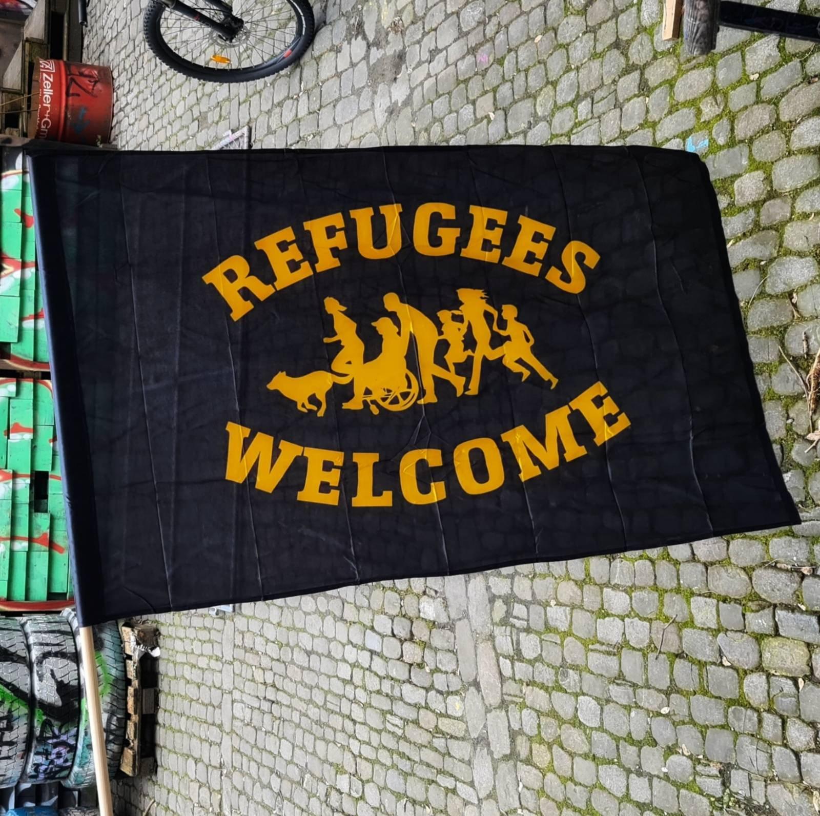Fahne Refugees Welcome